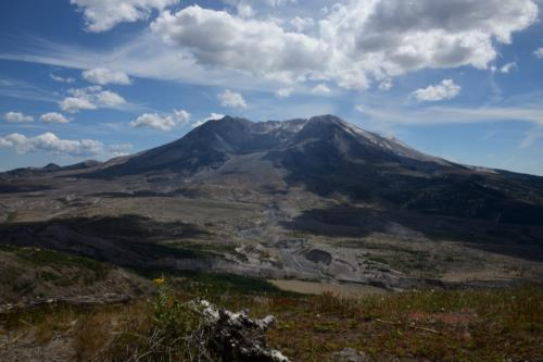 Beautiful Landscape of Mount Saint Helens